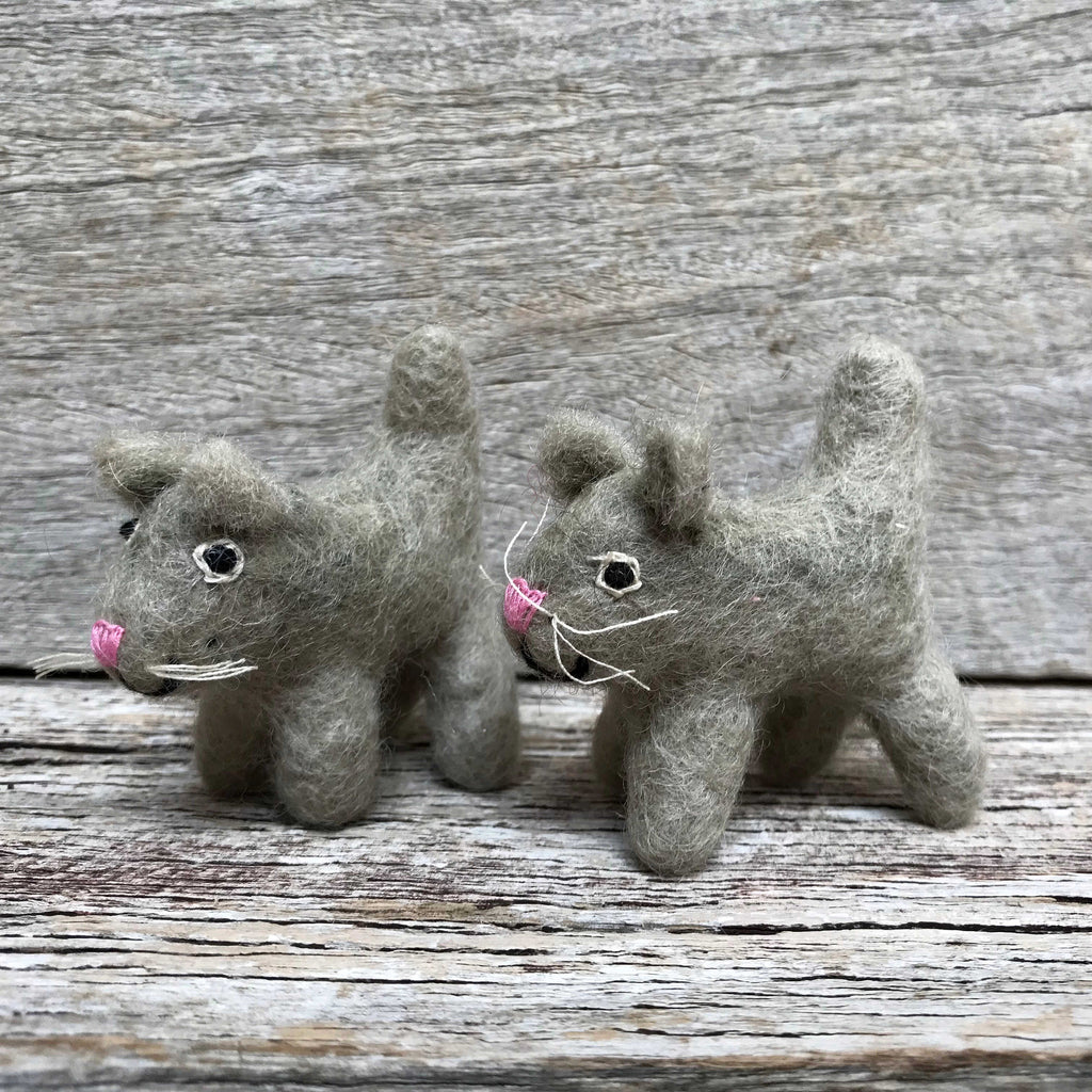 Little felt cat