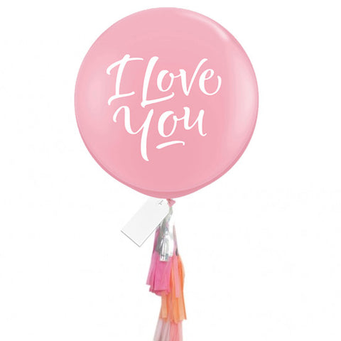 "Globo gigante ""I Love You"" decorado"