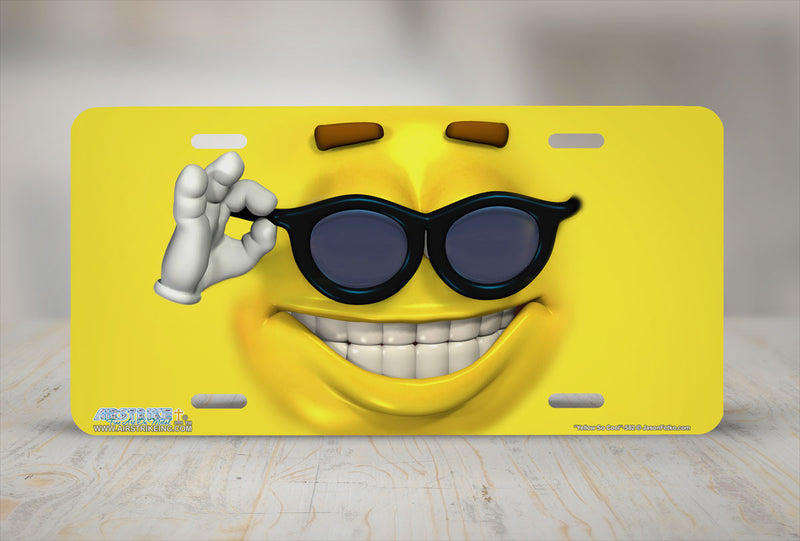 "Airstrike® 582-""Yellow So Cool"" Emoticon Face License Plate"