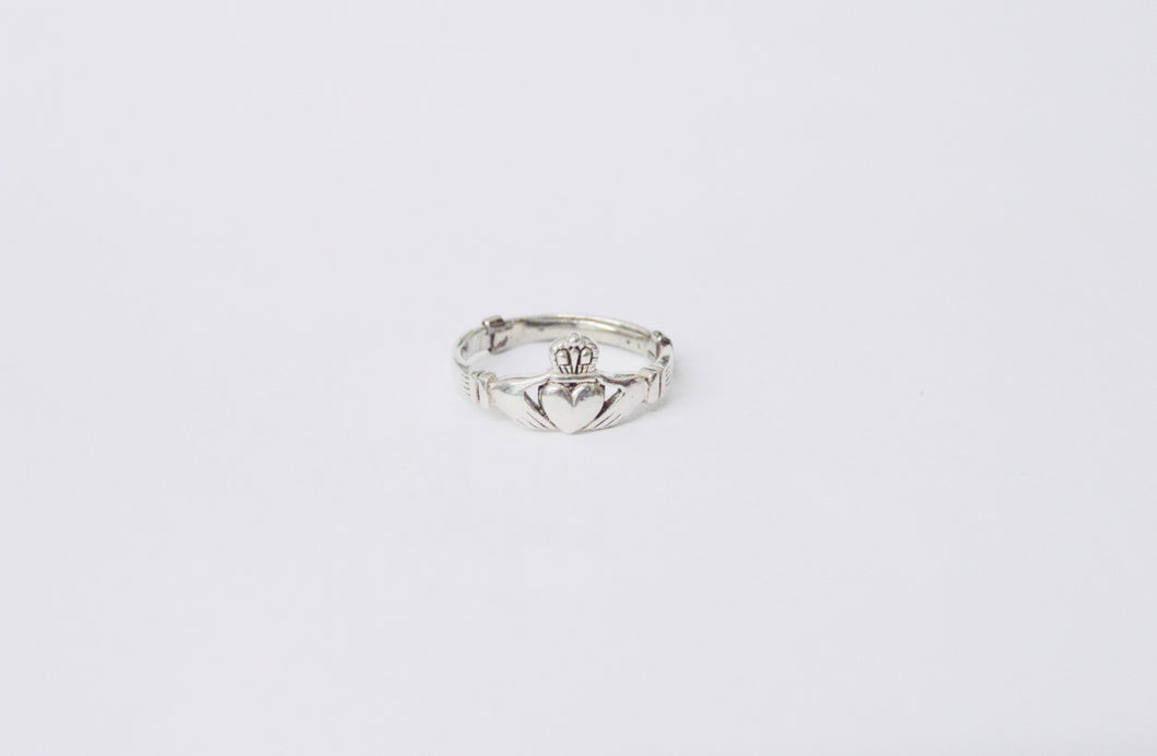 Irish Claddagh .925 Sterling Silver Ring www.hersandhistreasures.com/collections/sterling-silver-jewelry