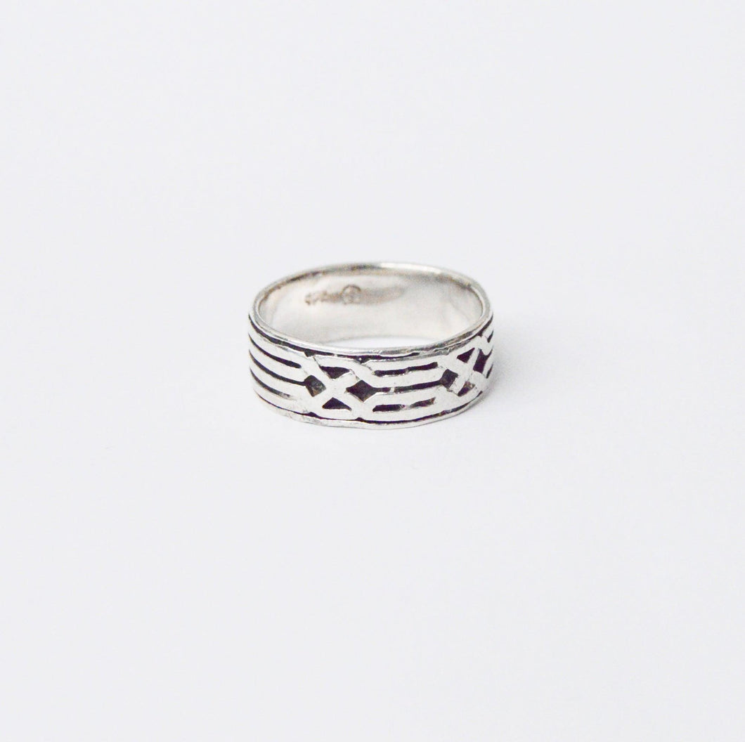 Men's Designer .925 Sterling Silver Band Ring www.hersandhistreasures.com/collections/sterling-silver-jewelry