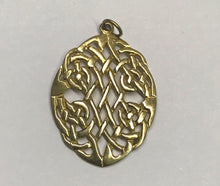 Load image into Gallery viewer, Celtic Knot Oval Necklace Pendant