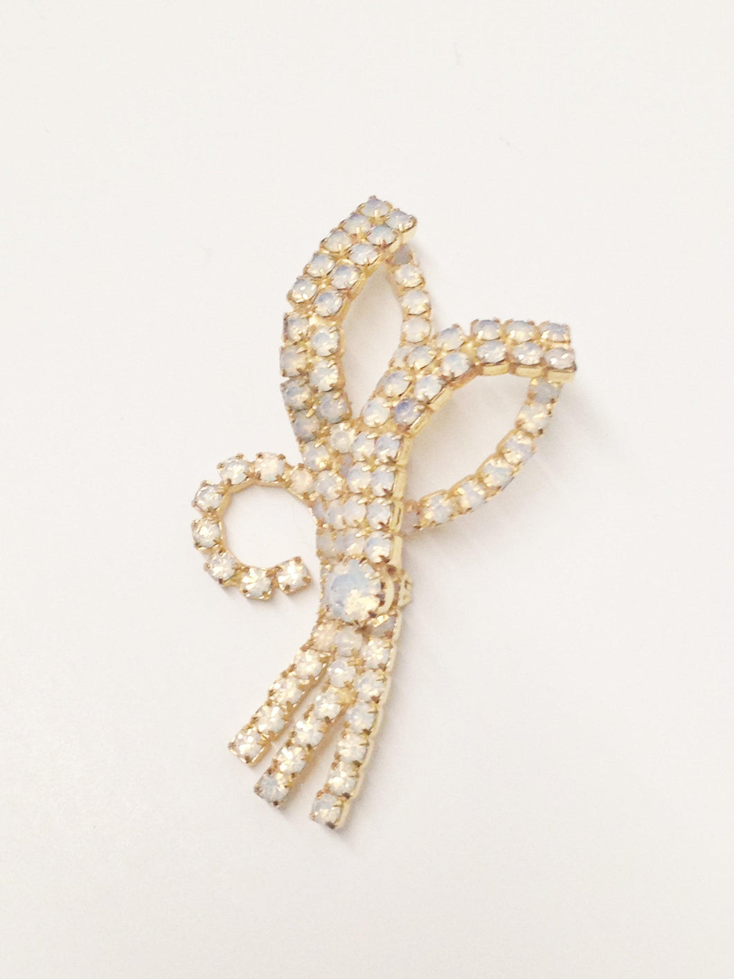 www.hersandhistreasures.com/products/Opaque-White-Rhinestone-Brooch-Pin