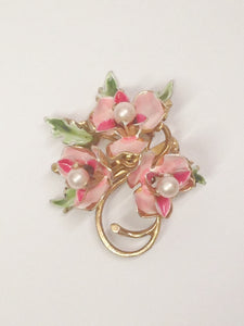 Gold Toned Triple Pink Flowers With Faux Pearls Brooch