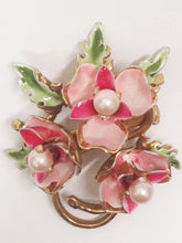 Load image into Gallery viewer, Gold Toned Triple Pink Flowers With Faux Pearls Brooch
