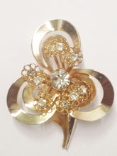 Load image into Gallery viewer, Gold Tone 3 Leaf Clover Clear Rhinestone Brooch Pin
