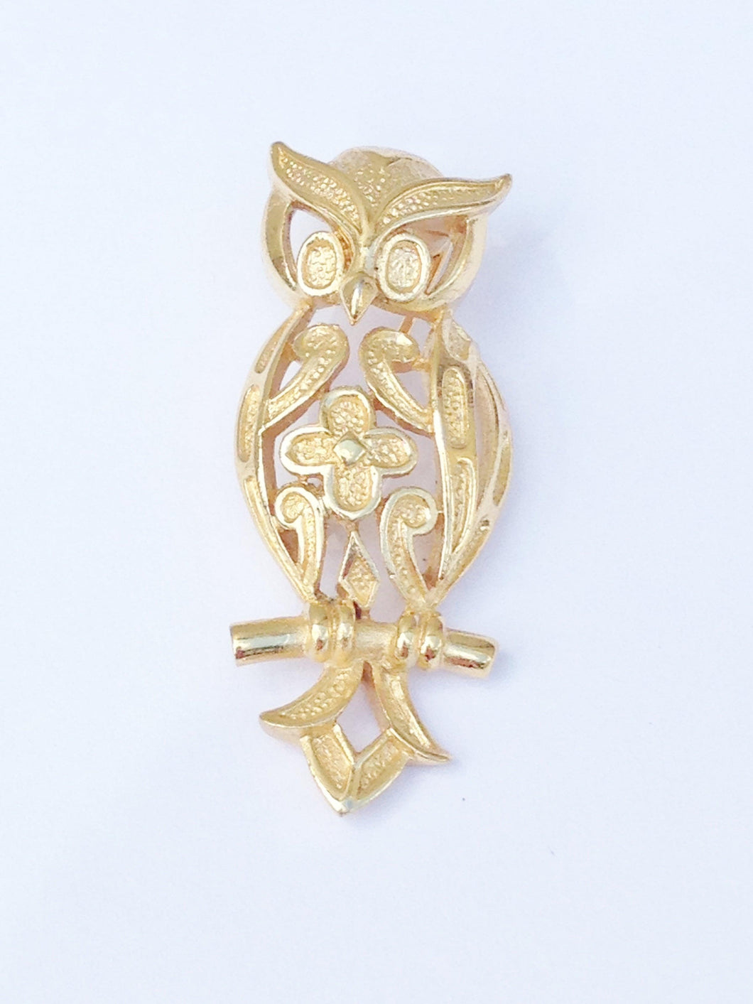 Trifari Signed Gold Toned Owl Brooch Pin www.hersandhistreasures.com