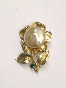 www.hersandhistreasures.com/products/Large-Faux-Pearl-Flower-Brooch-Pin
