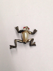 www.hersandhistreasures.com/products/Vintage-Decorative-Rhinestone-Frog-Brooch-Pin