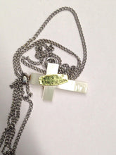 Load image into Gallery viewer, Vintage Imitation Mother Of Pearl Cross Necklace