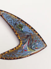 Load image into Gallery viewer, Vintage Enameled Modernist Metal Brooch Pin