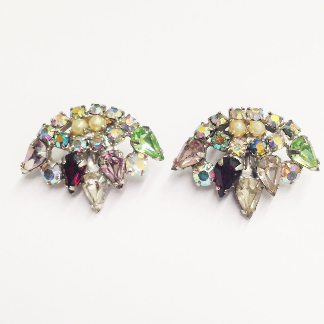 Estate Multi Rhinestone Clip On Earrings www.hersandhistreasures.com