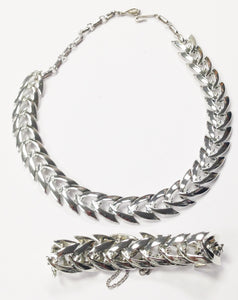 Coro Chevron Silver Tone Necklace And Bracelet Set www.hersandhistreasures.com