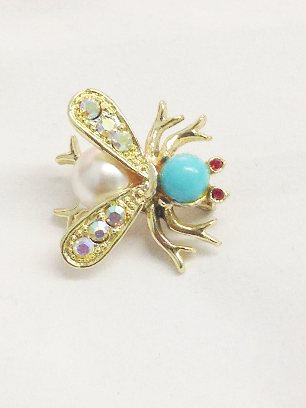 Bee Insect Gold Tone Rhinestone Brooch Pin www.hersandhistreasures.com/collections/vintage-jewelry
