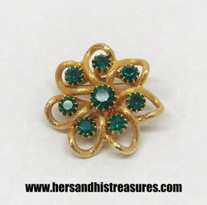 Vintage Gold Tone Brooch With Round Green Rhinestones