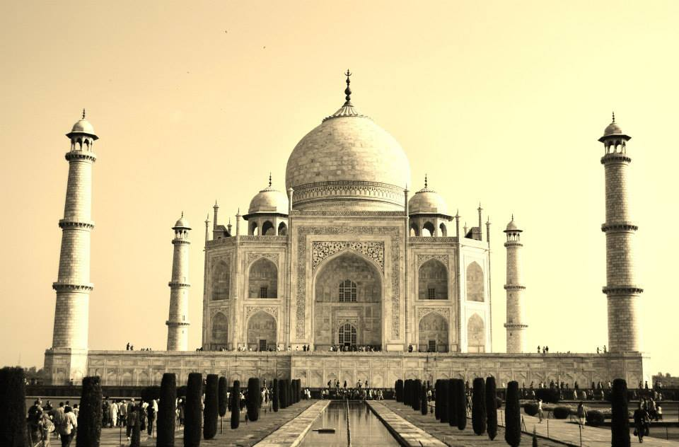 The Taj Mahal - An Indian Love Story This Valentine's Day