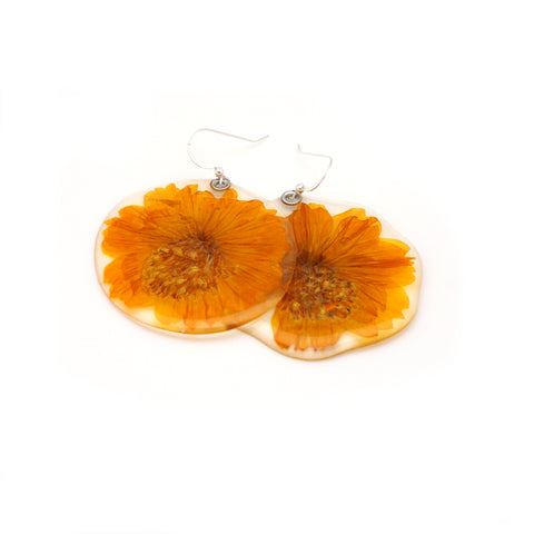 61604 Muted Yellow/Natural  Cosmos Flower Earrings