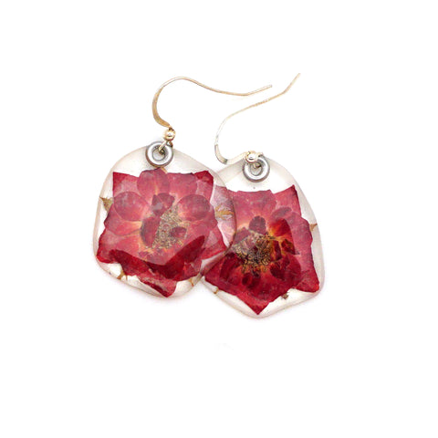 61605 Tiny Whole Red Rose flower earrings