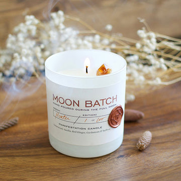 Bonfire Blend Soy Candle: Notes of Cedarwood, Vanilla, Red Ginger & Saffron