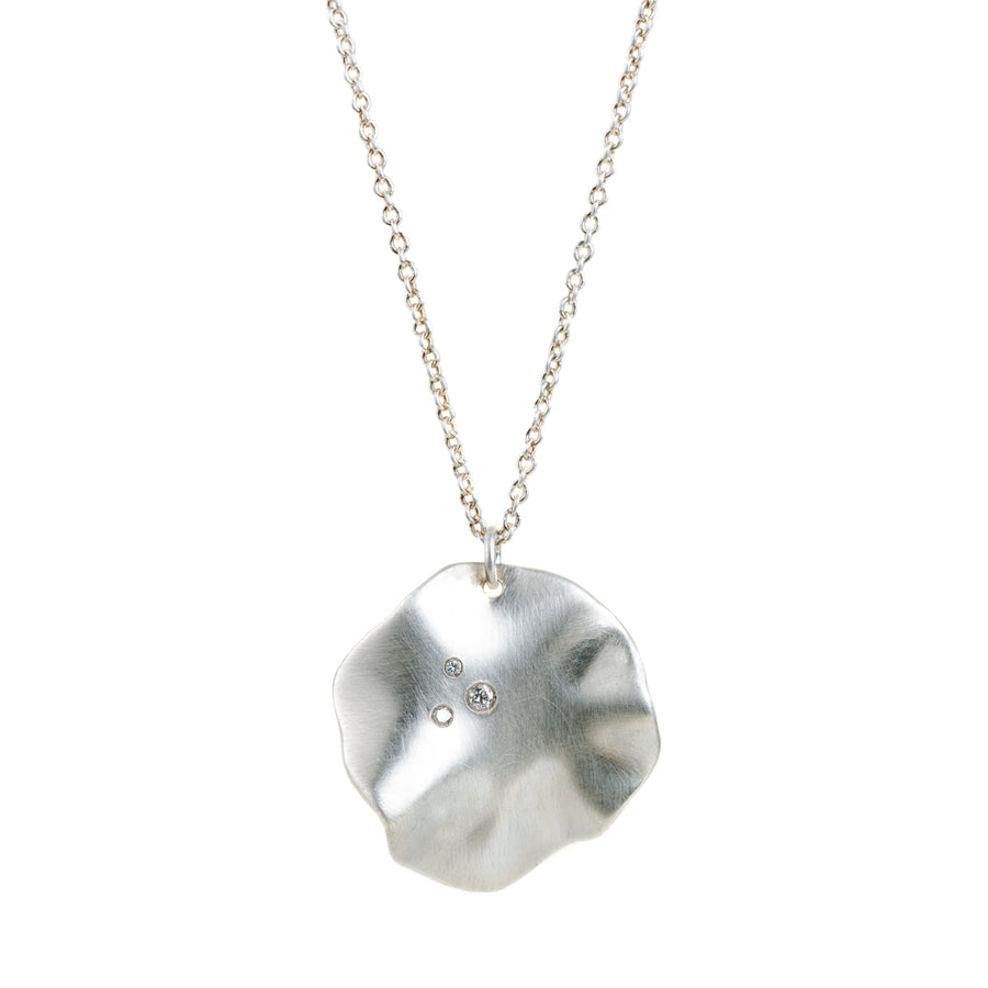 Round Ruffle Necklace In Silver