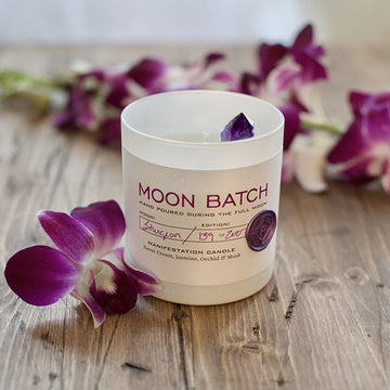 Lunar Twilight Blend Soy Candle: Exotic notes of Sweet Cream, Jasmine, Orchid & Musk