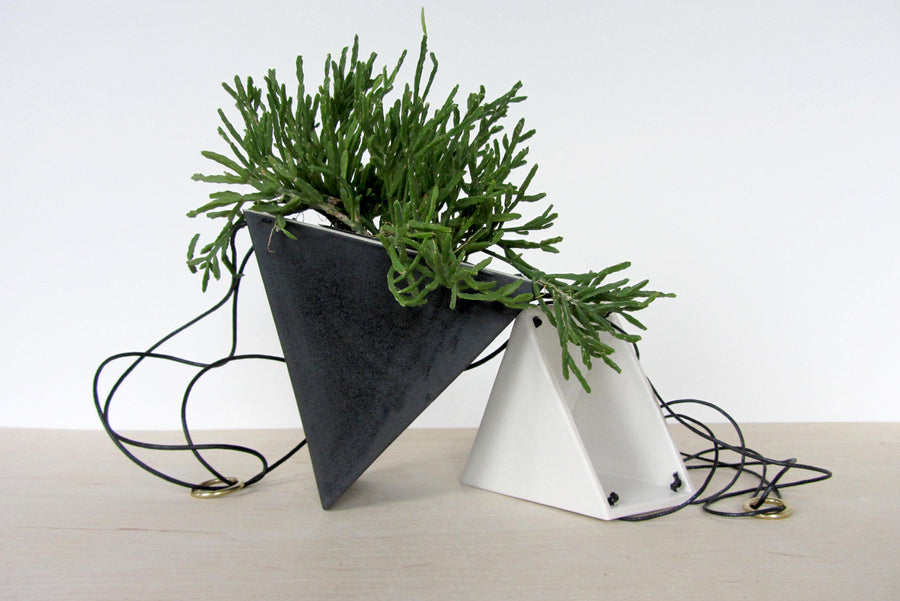 Triangle Hanging Planter - Large in Black