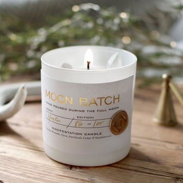 Full Moon Blend Soy Candle: Light notes of orange blossom, clove, cedar, patchouli and sandalwood