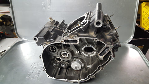 grey engine case pair matched 1g sv650 99-02