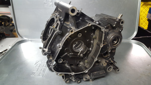 gray engine case pair matched 1g sv650 99-02