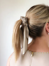 Silk Pony Scrunchie - Latte