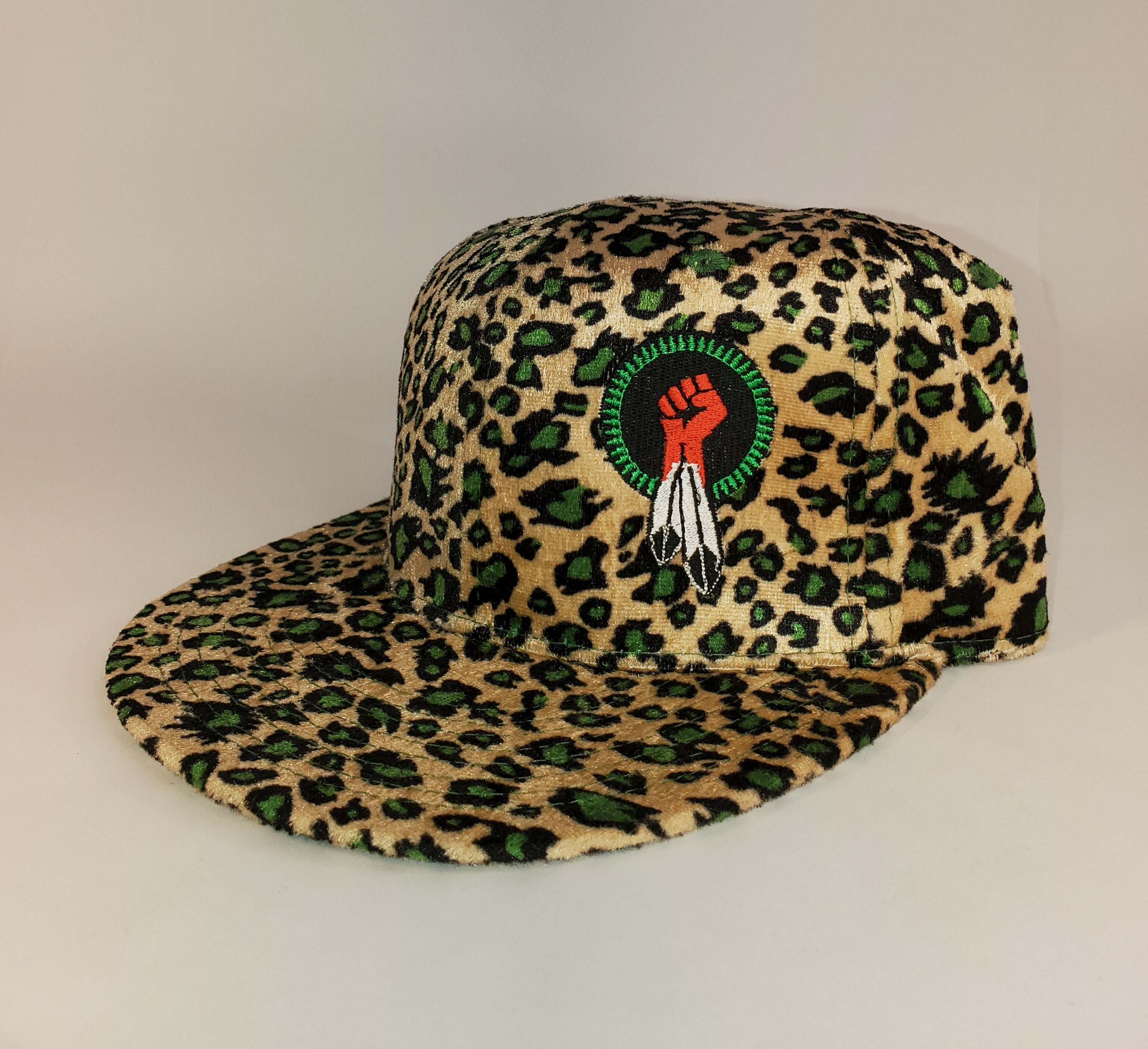 N8V MOVEMENT cap embroidered leopard green snapback