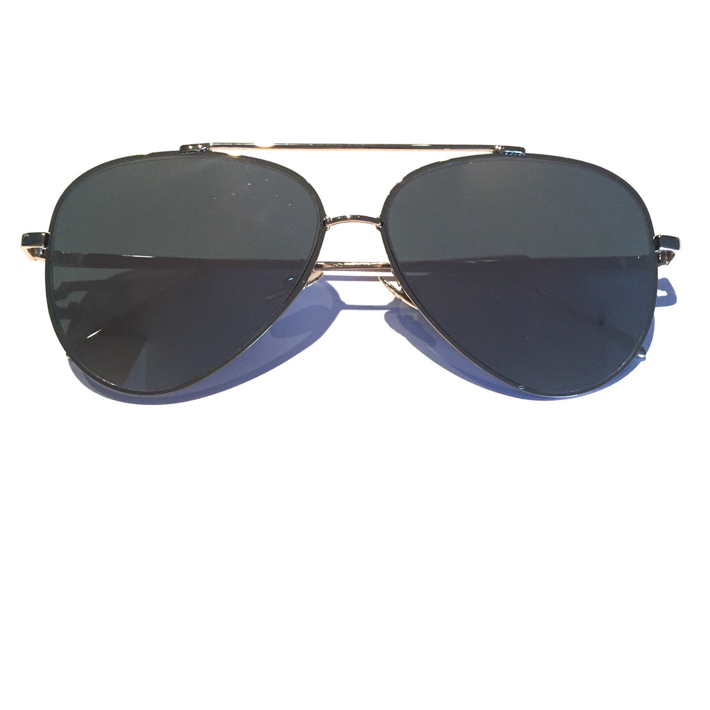Glossy gold metal frame, aviator style with pink mirror lenses