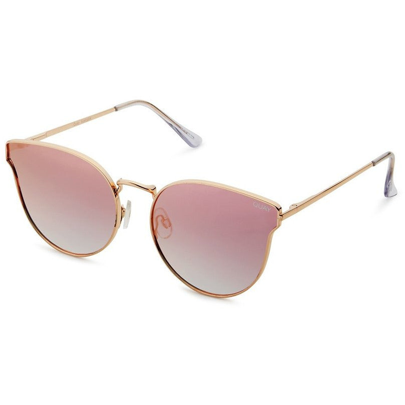 feminine pink cat eye sunglasses from Quay. Trendy pink sunglasses. Summer trend, spring 2019