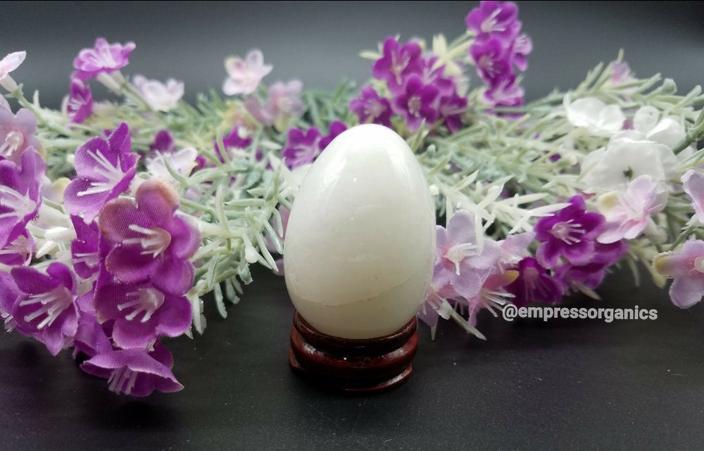Load image into Gallery viewer, White Jade Yoni Eggs