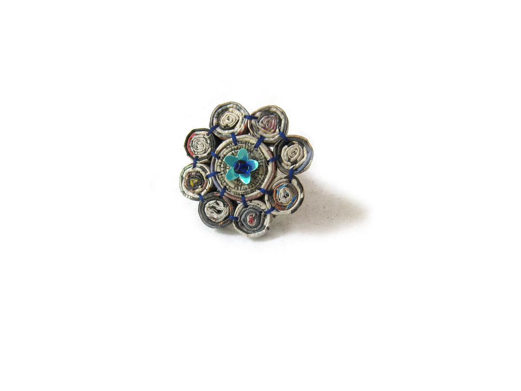 Brooch with 8 Tiny Floral Beads
