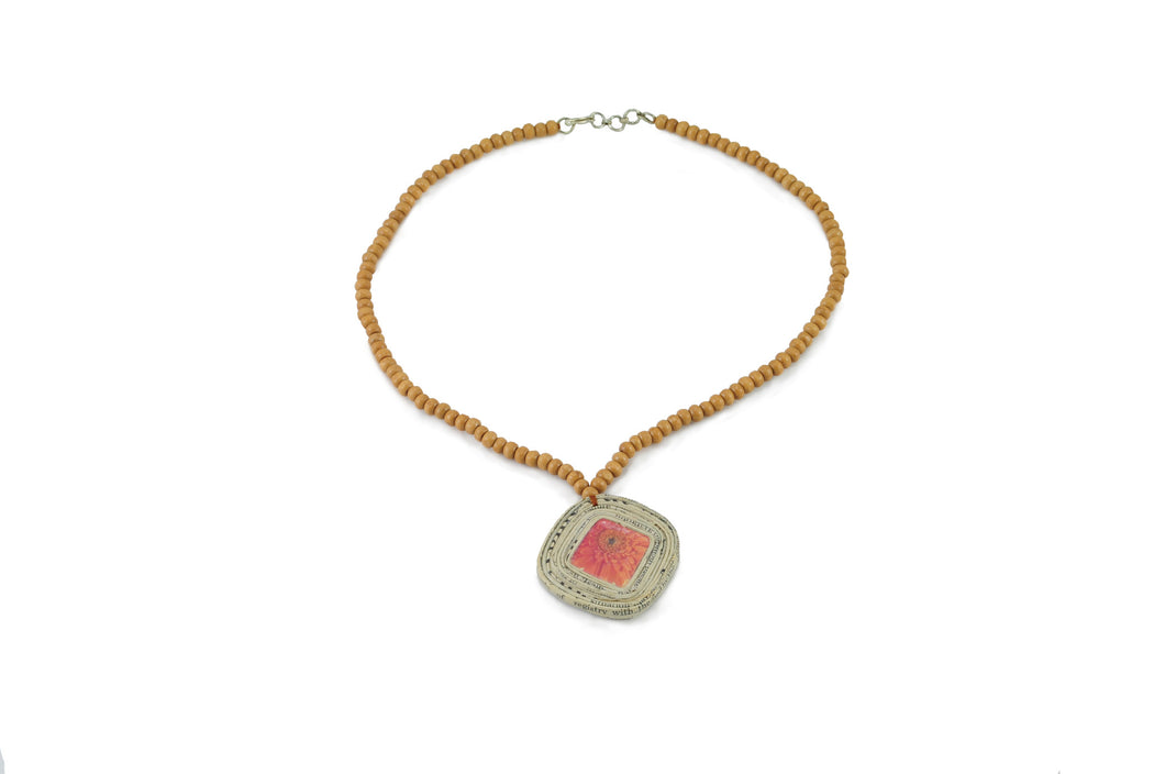 Necklace (1 small square bord bead)