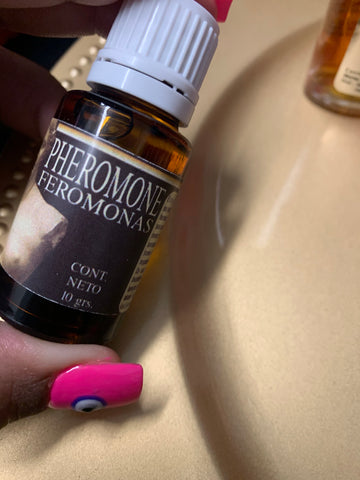 Attraction pheromone