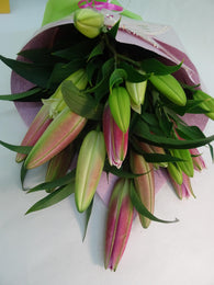 Oriental Lilies bouquet for delivery