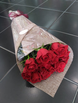 12 Red Rose Wrap