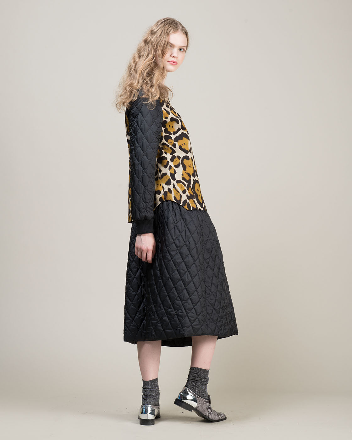 Woman pants and skirts online collection