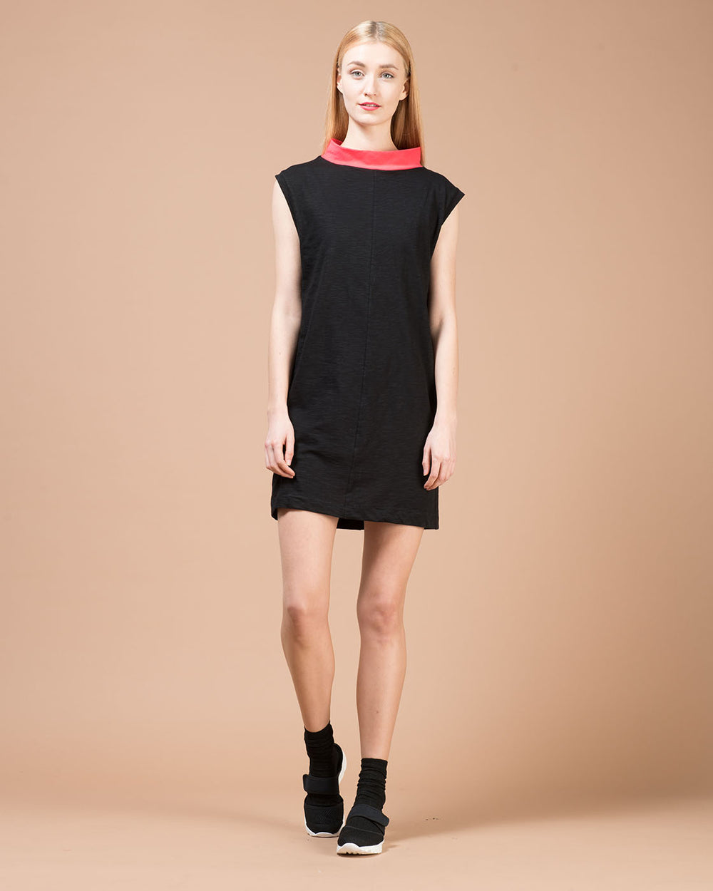 Black Sleeveless Long T-Shirt