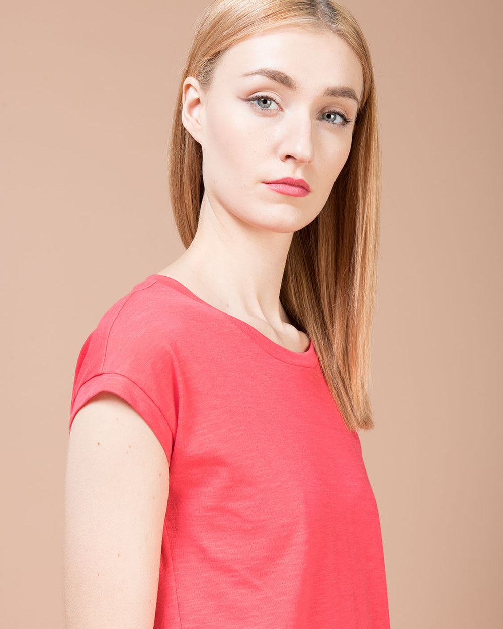 Red Linen Crewneck T-Shirt