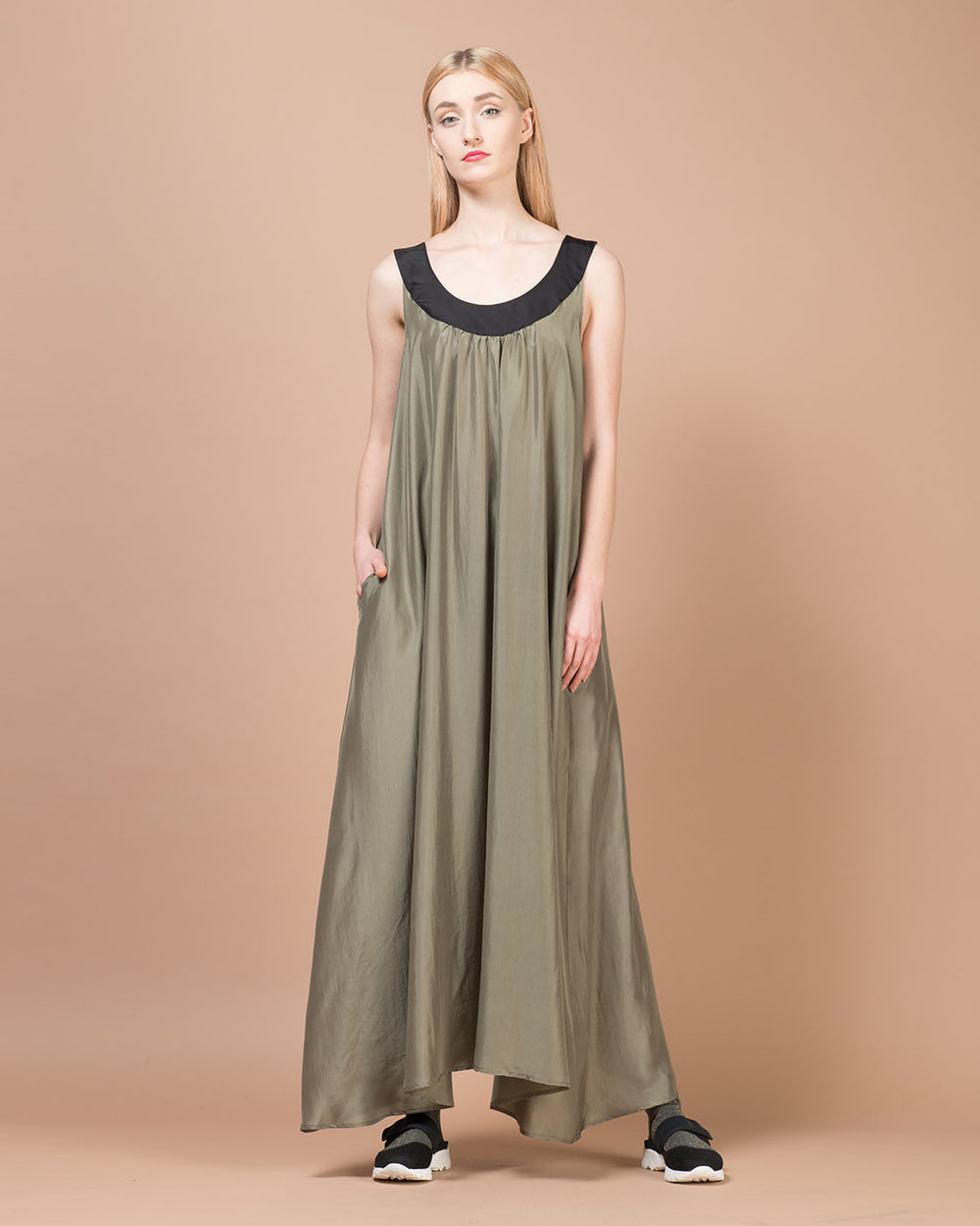 Green Contrast Collar Silk Long Dress