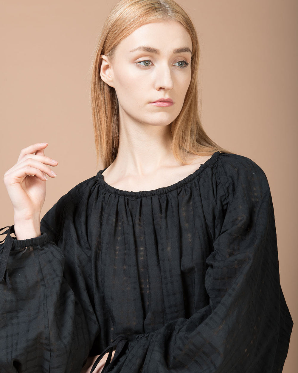 Black Long Sleeve Curled Blouse