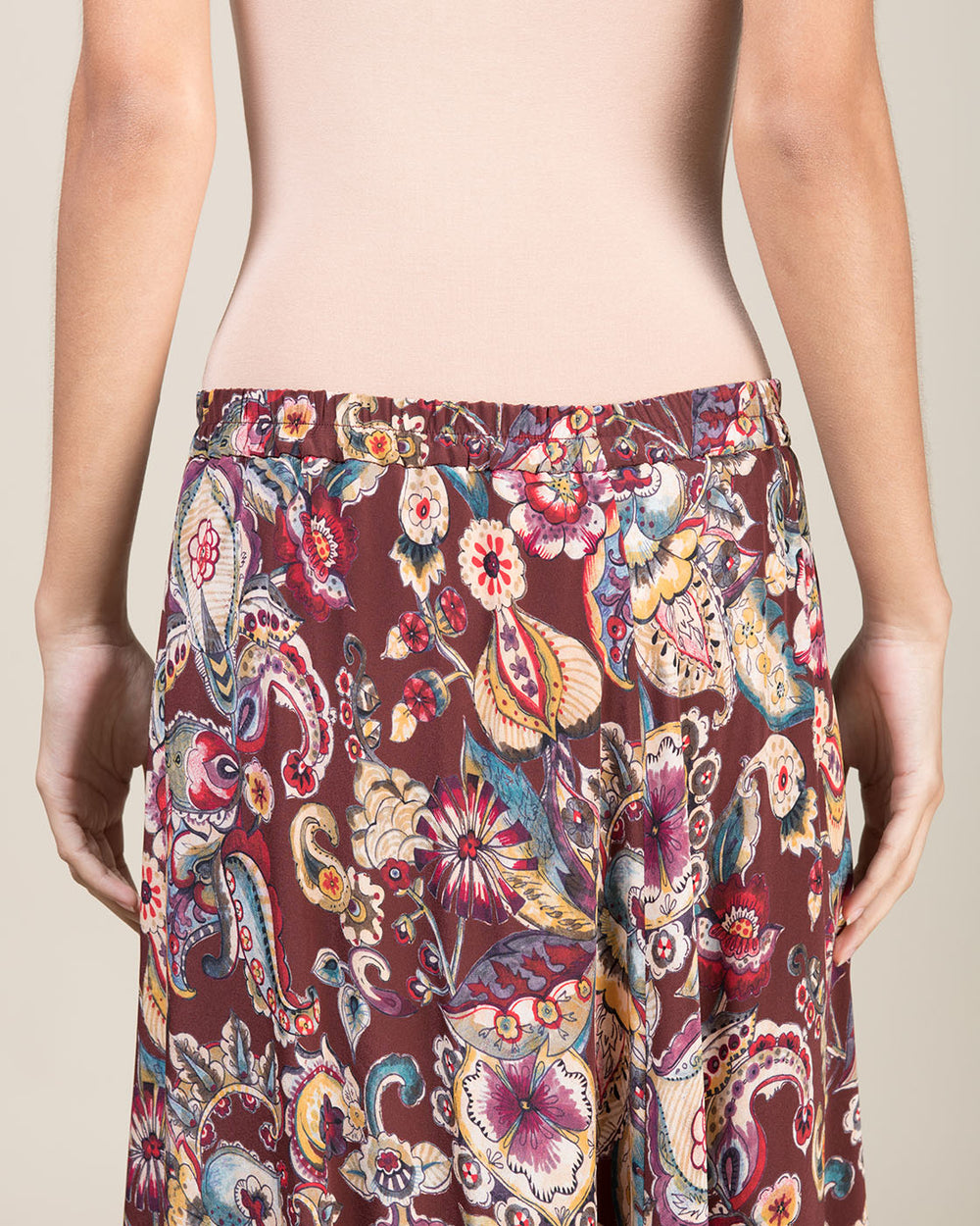 Wallet Skirt in Silk with Bordeaux Cashmere Motifs