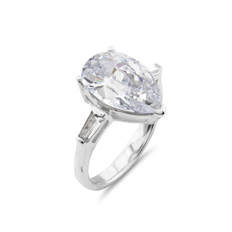 Beyonce Engagement Luxury Pear Cut Ring
