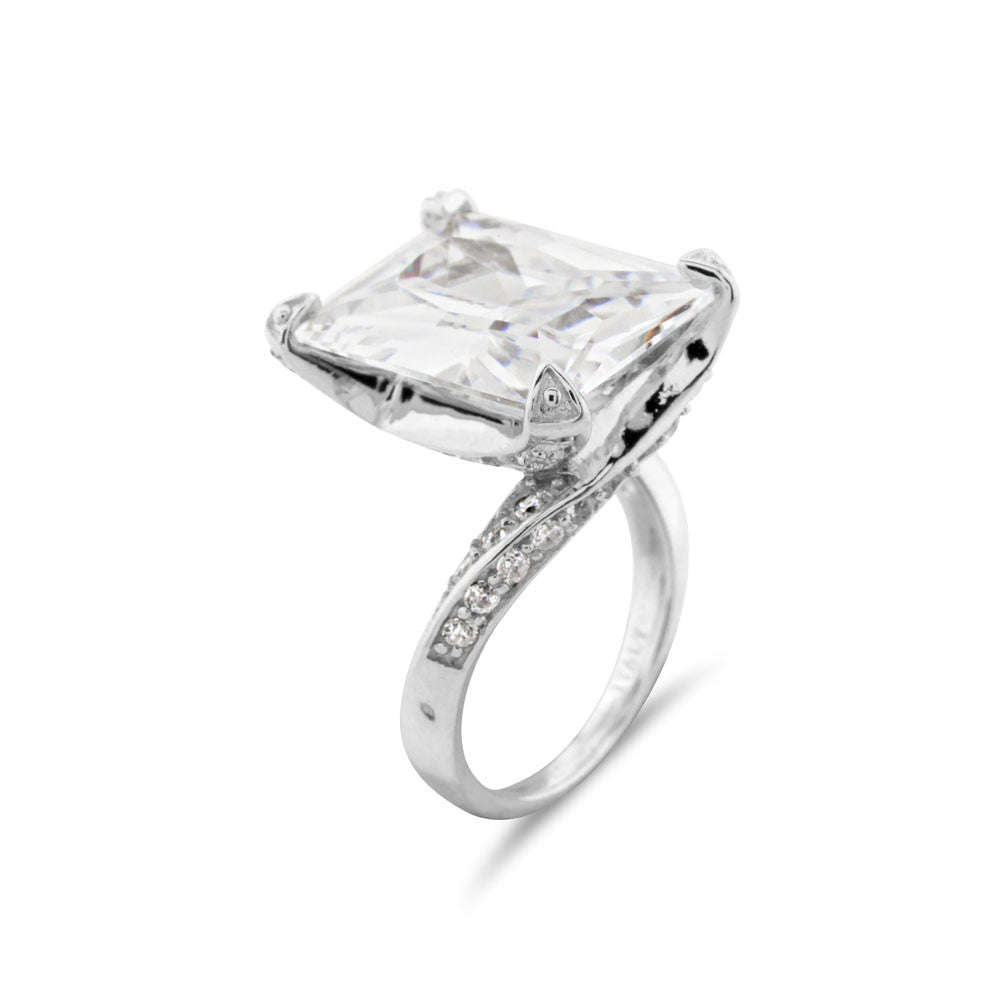 Celebrity Style Engagement Ring - www.sparklingjewellery.com