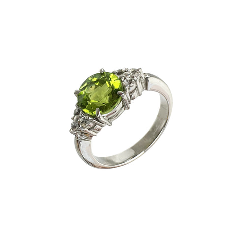 Green Peridot Ring  Round Cut with  White Topaz