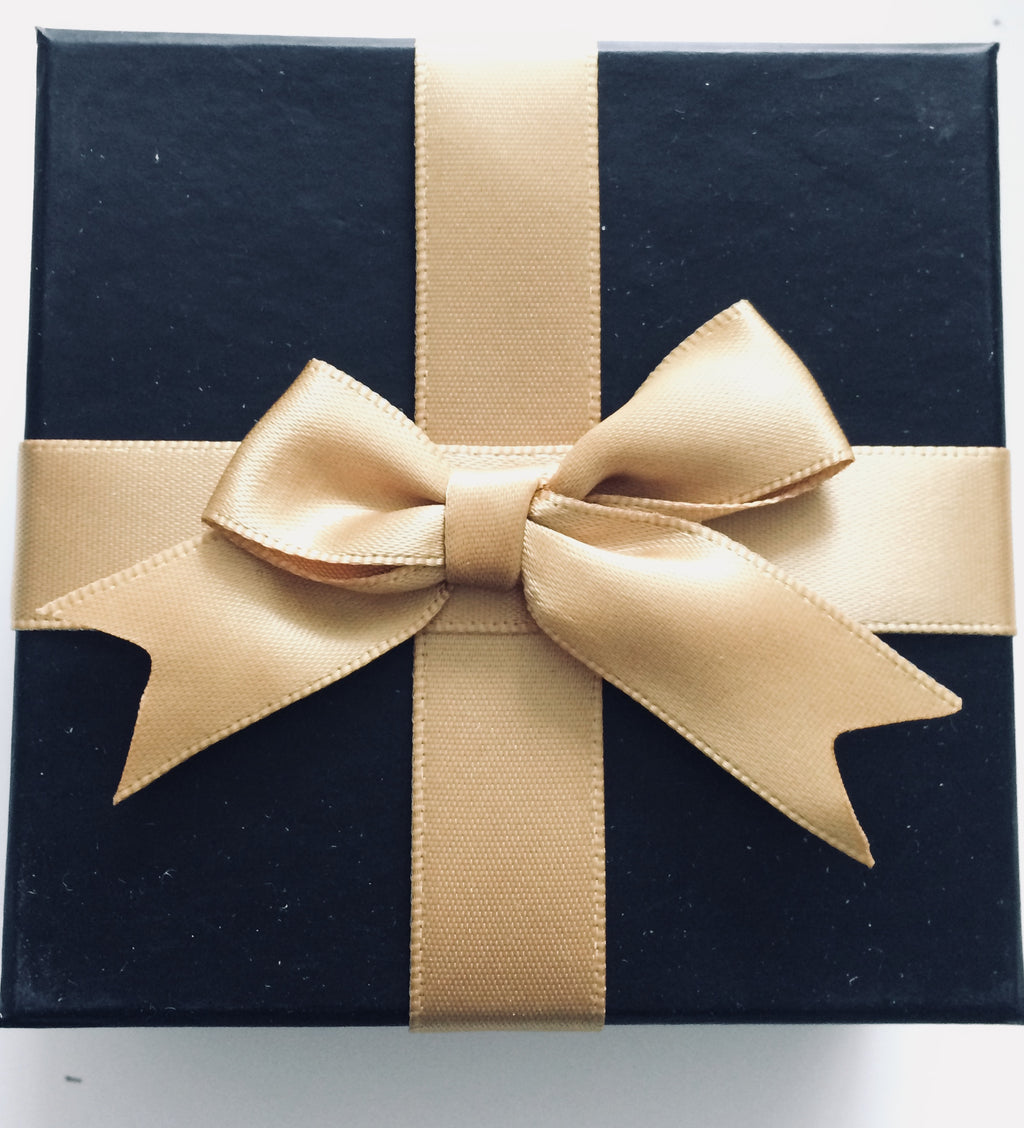 Upgraded Deluxe Gift Wrapped Box - www.sparklingjewellery.com