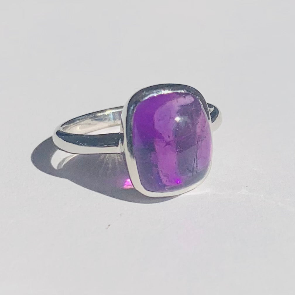 Amethyst Rectangle Cabochon Silver Ring - www.sparklingjewellery.com